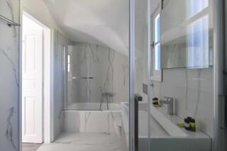 accommodation agrabeli apartments bathroom