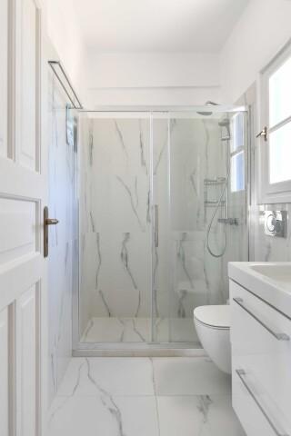 room ten agrabeli apartments shower